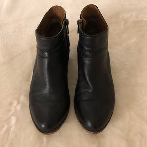 Black leather lucky brand booties!